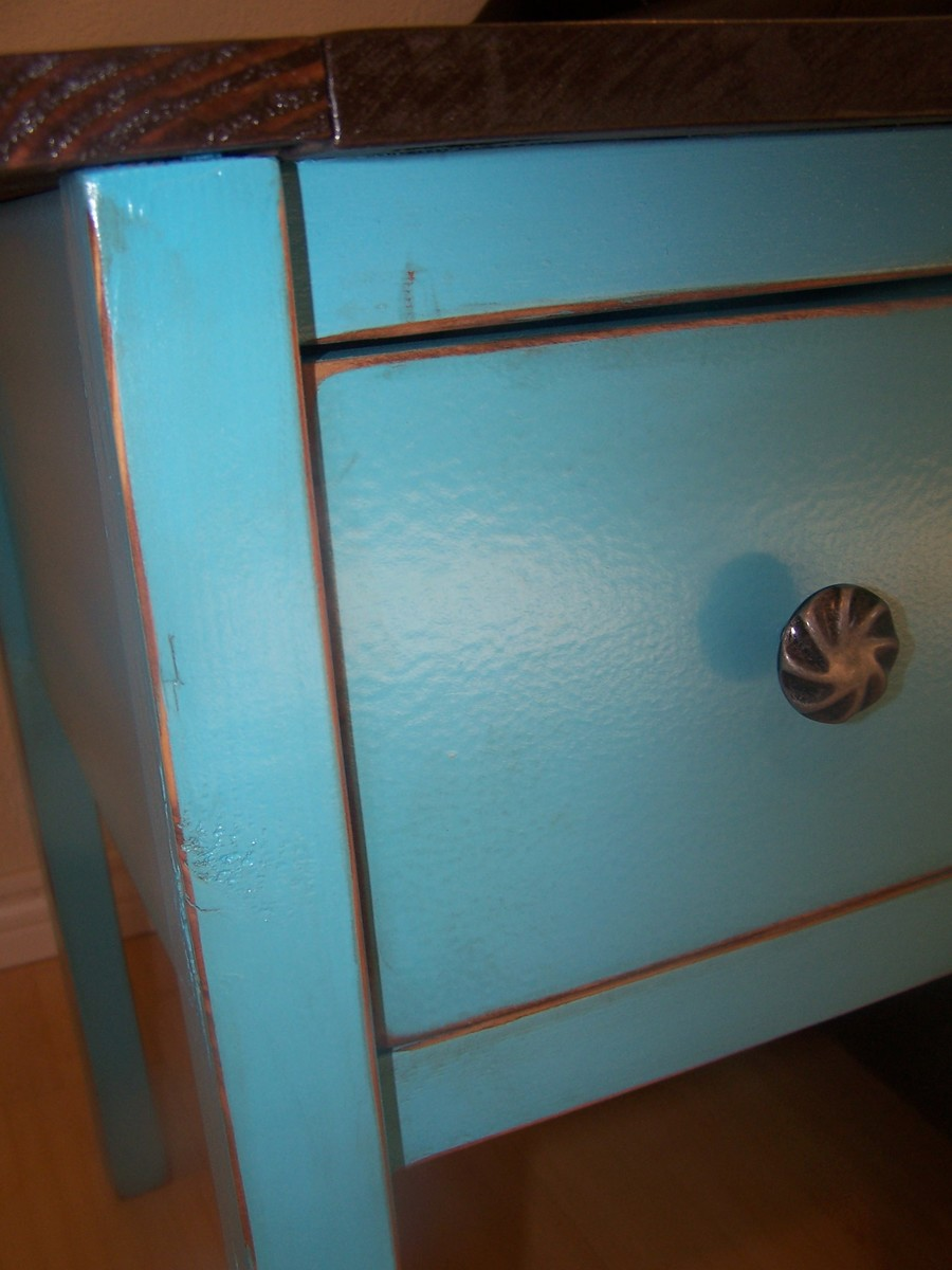 Narrow Cottage End Tables - DIY Projects
