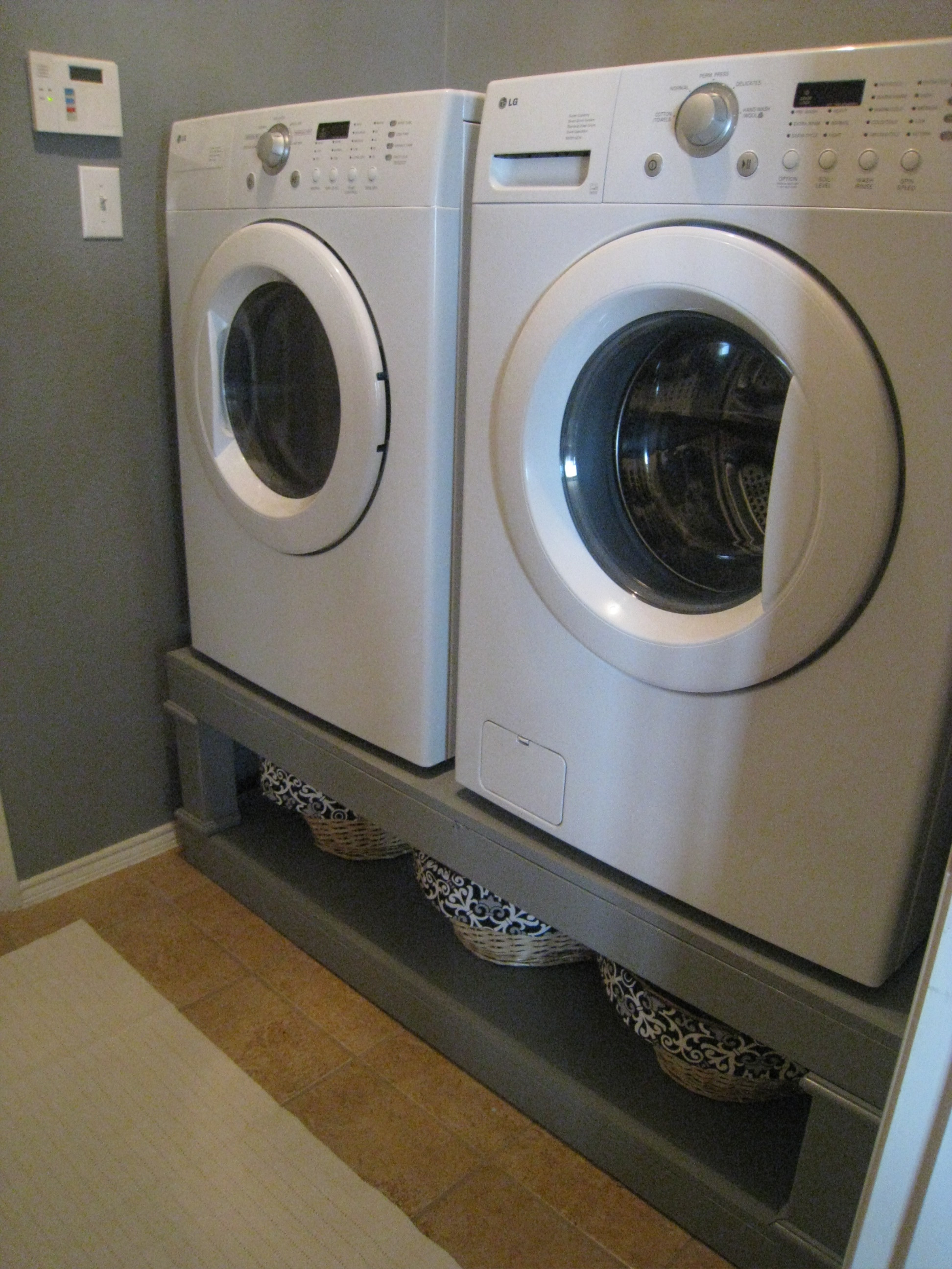 Amazing Washer/Dryer Pedestal