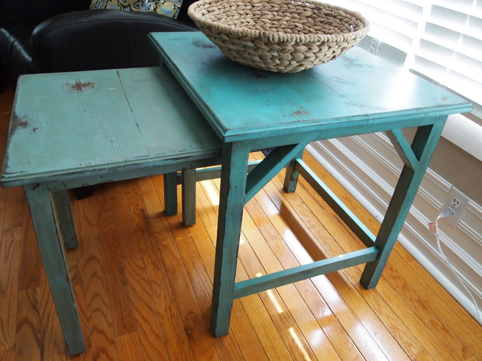 Ana White Diy Copy Cat Nesting Tables Diy Projects