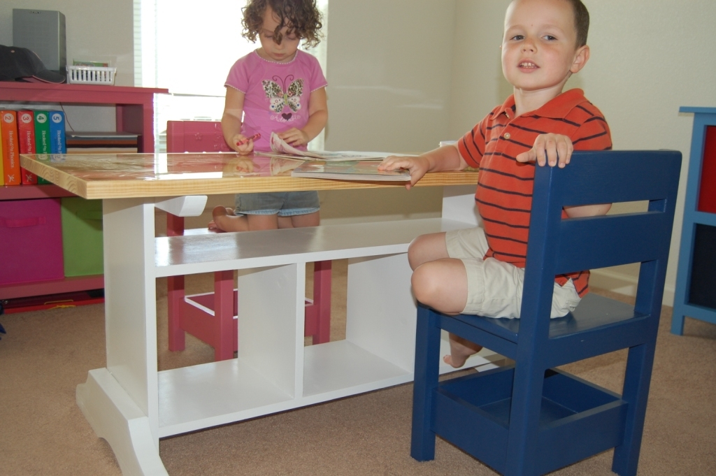 Ana White Children S Homeschool Craft Play Area In Our Living Room 3 Of Plans Diy Projects