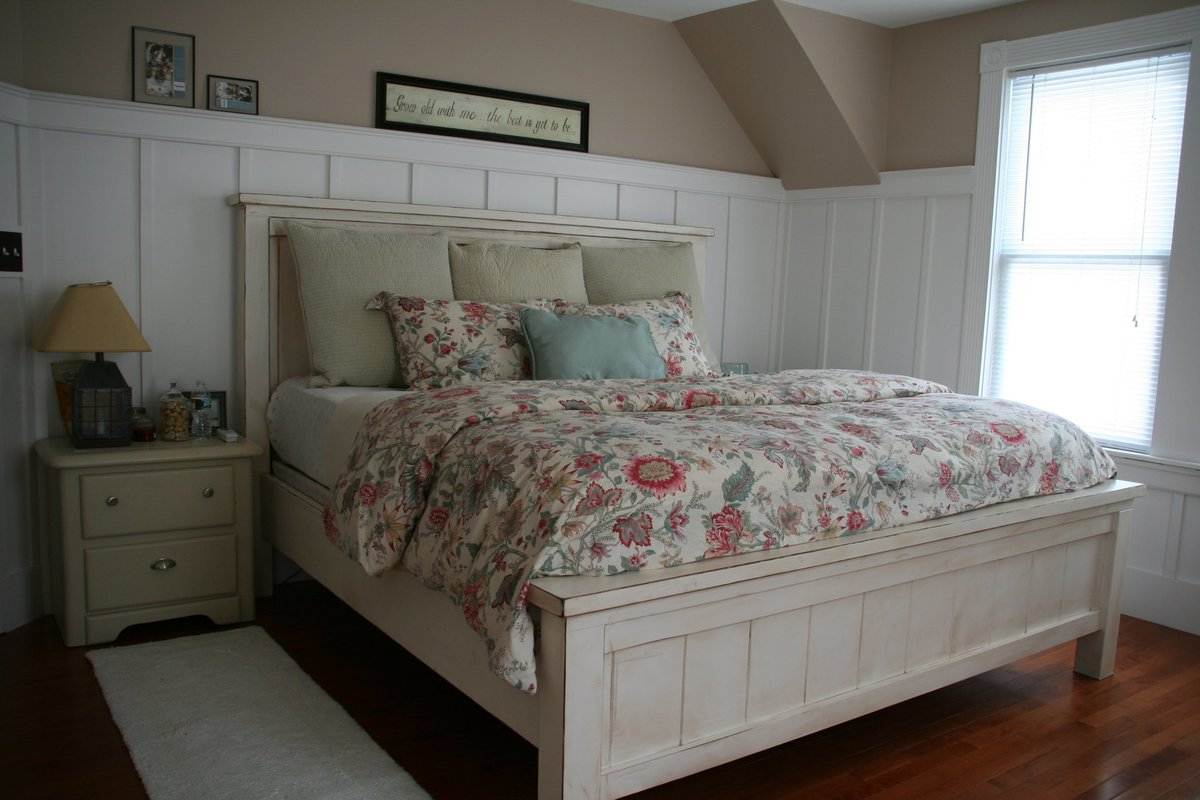 Ana White | King Farmhouse Bed - DIY Projects