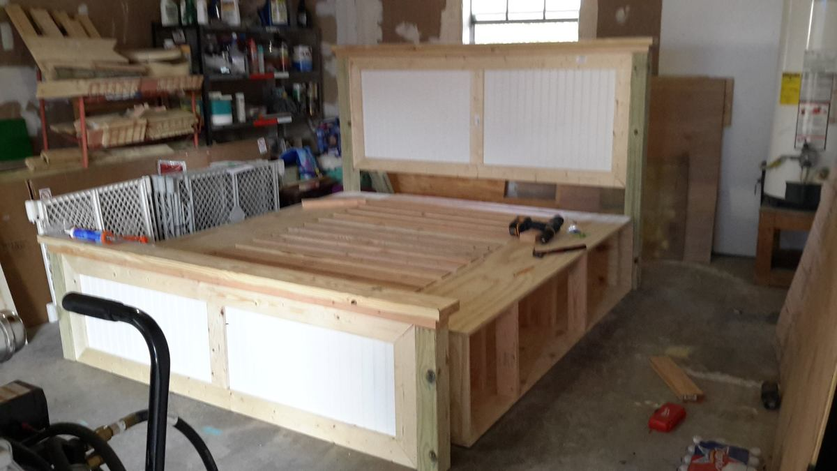 King Farmhouse Storage Bed - DIY Projects