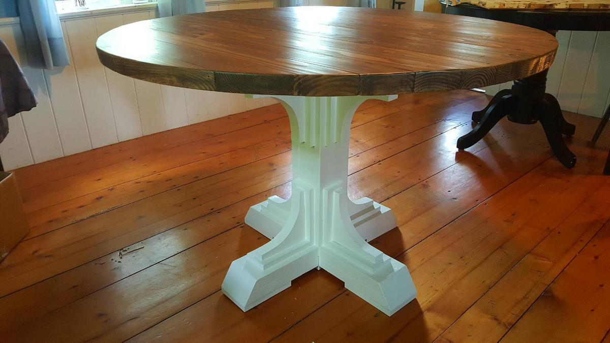 Ana White | Shanty 2 chic round table - DIY Projects