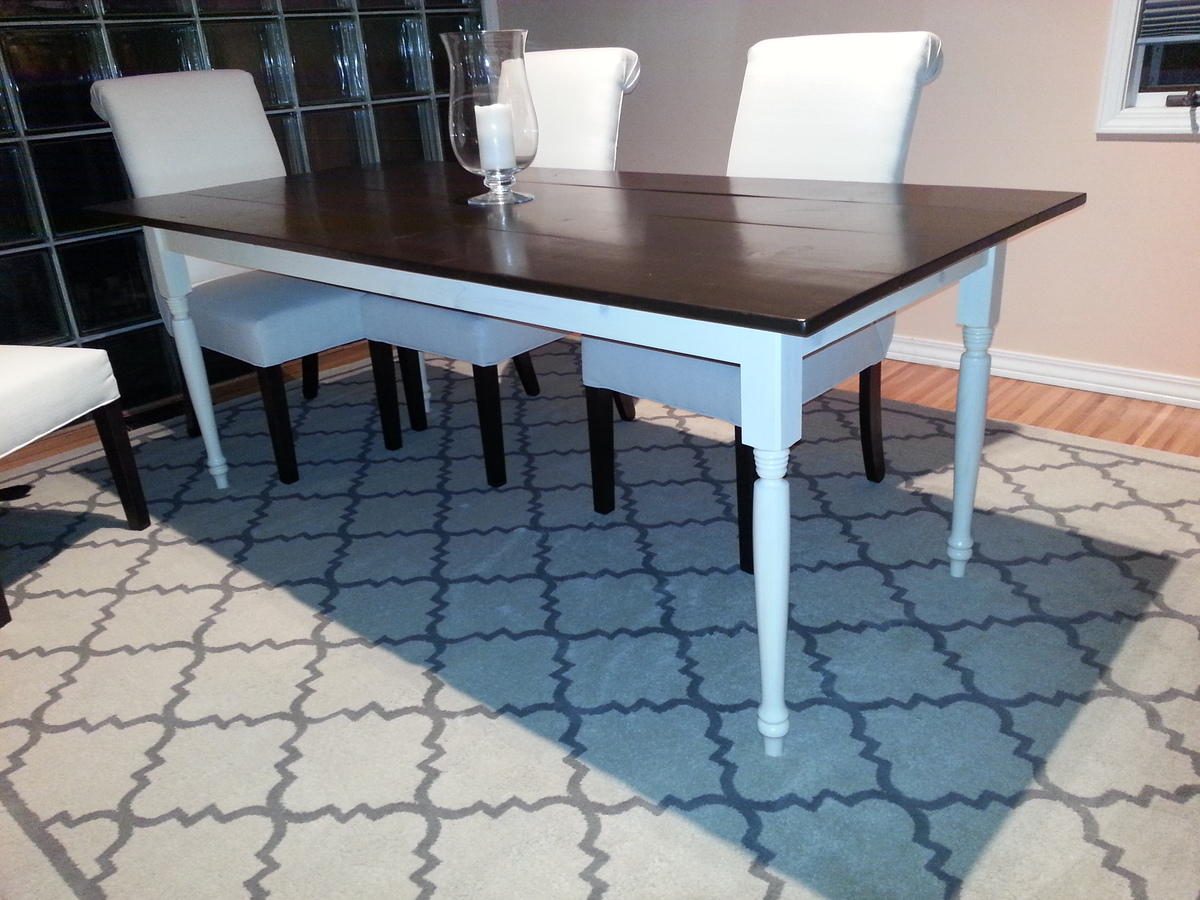 Ana White | Two Toned Turned Leg Farmhouse Table - DIY Projects