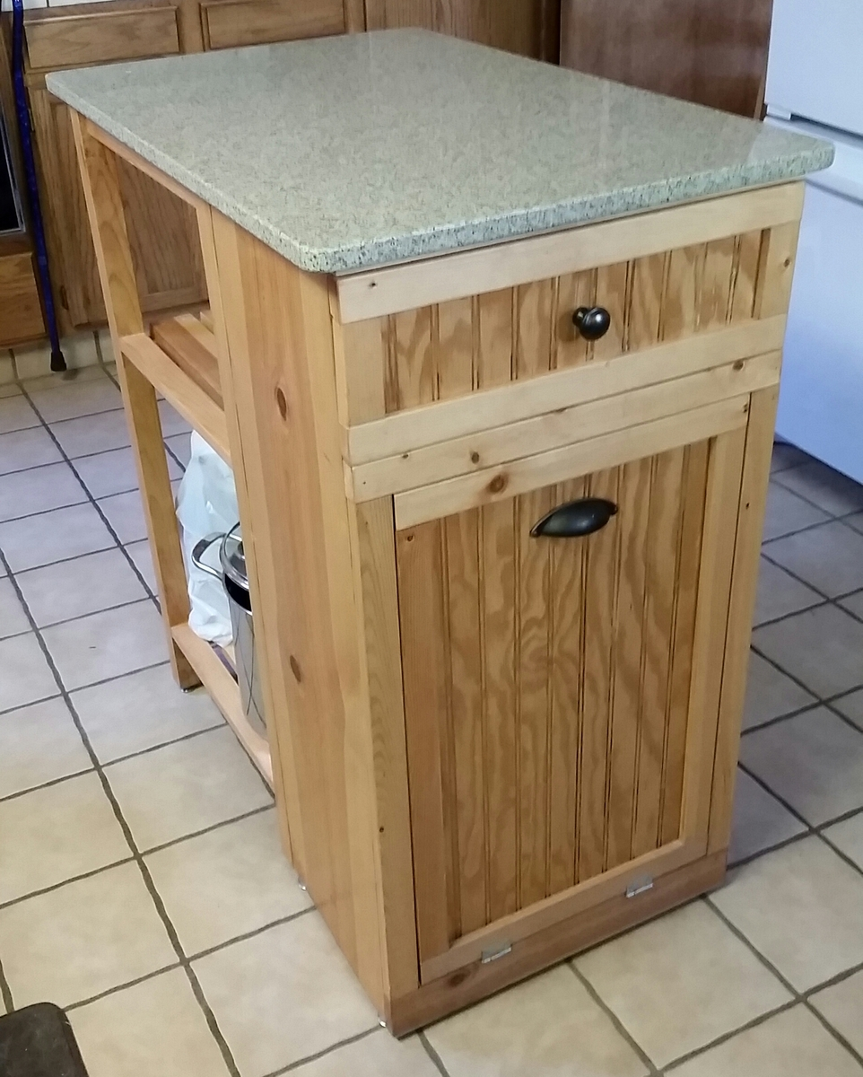 Building Kitchen Island: Small Kitchen Island - DIY Projects