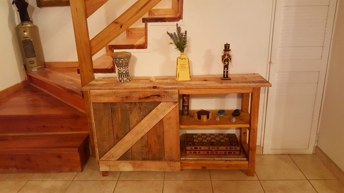 Ana White Pallet Sliding Barn Door Console Diy Projects