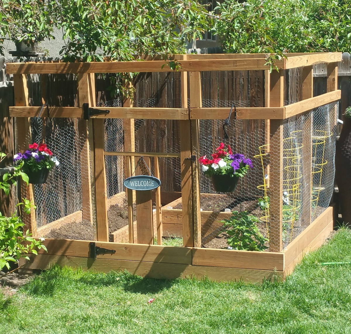 Garden Enclosure With Custom Gate - DIY Projects