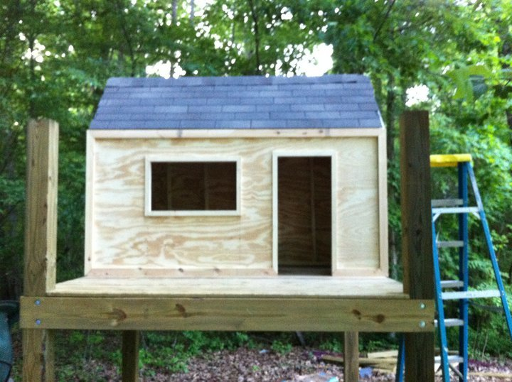 Do It Yourself Playhouses : Ana white playhouse in progress diy projects