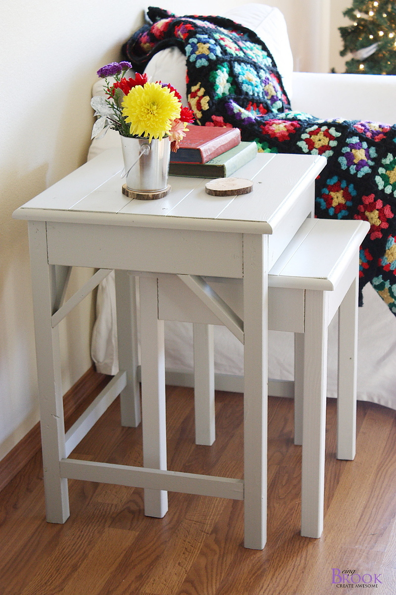 Nesting side tables with cute cottage charm for your living room diy plans to build these nesting end tables inspired by pottery barn pratt nesting side