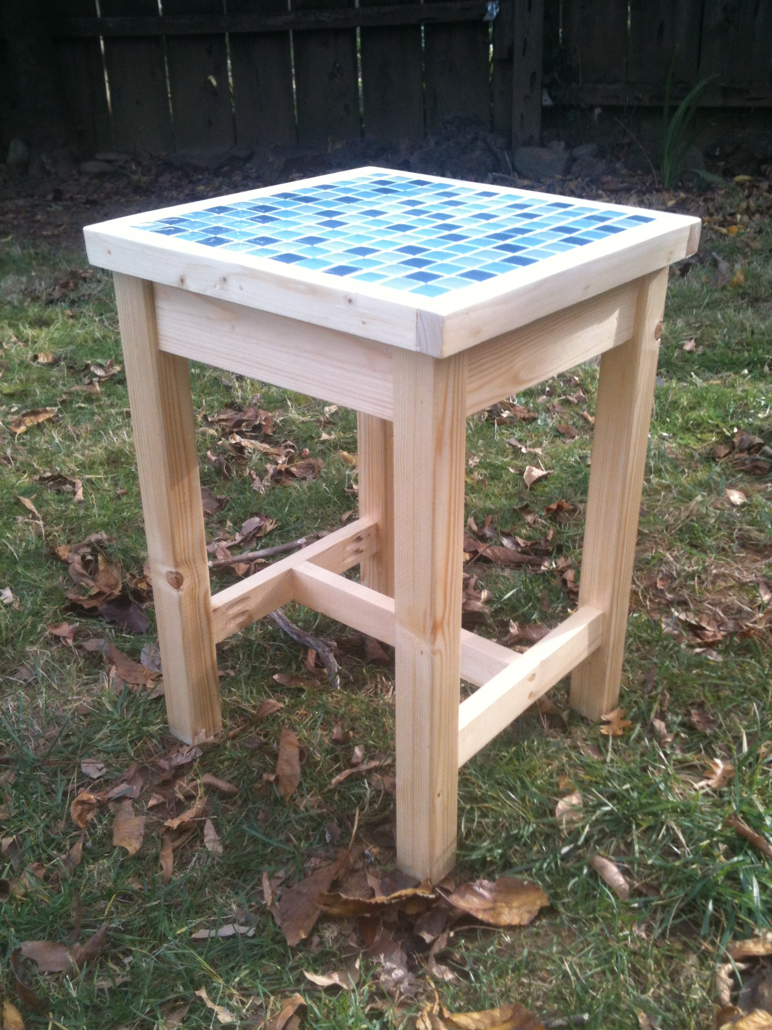 Ana White Adirondack Table With Modified Top Diy Projects