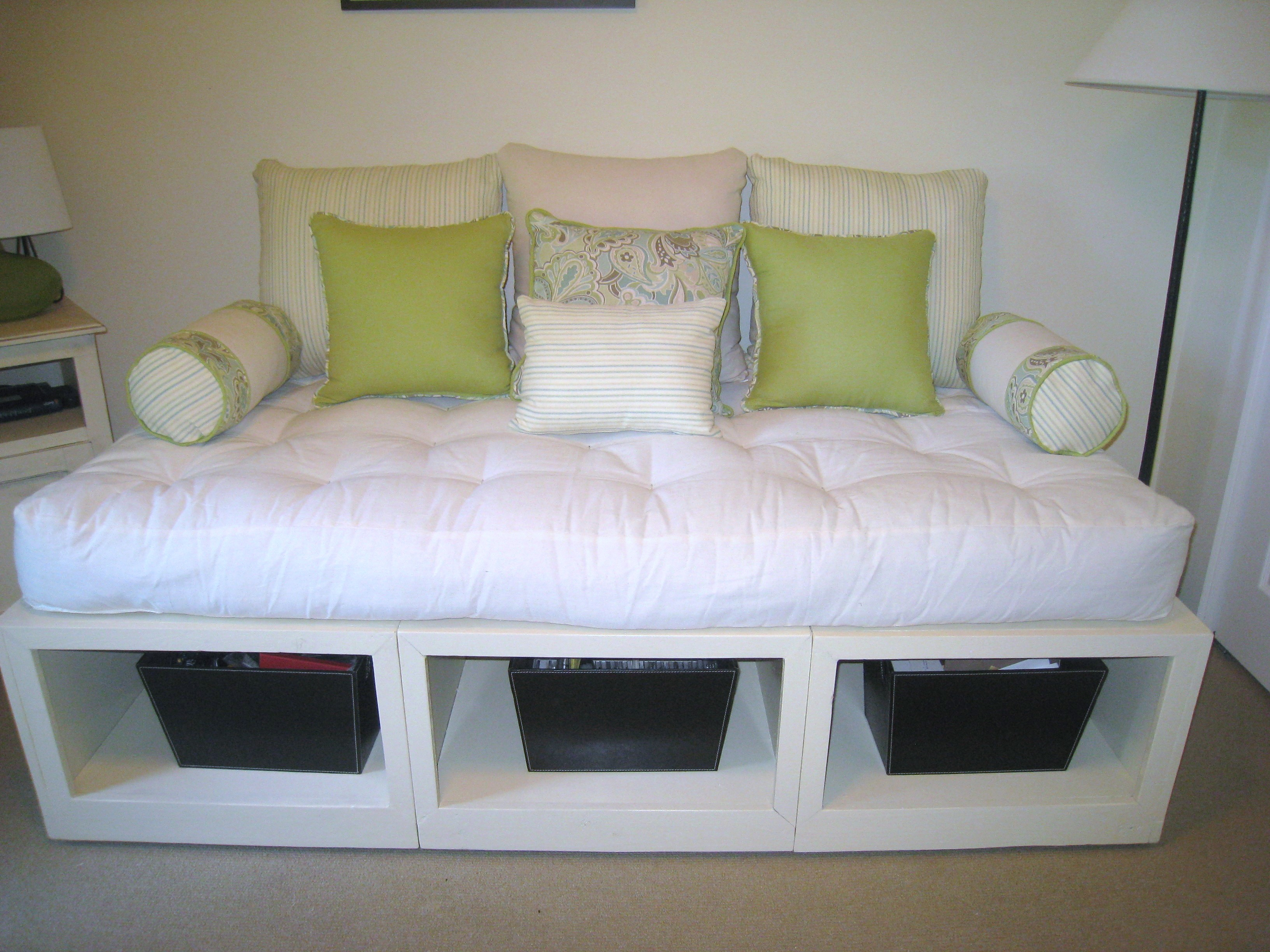 Queen Size Daybed for Pinterest
