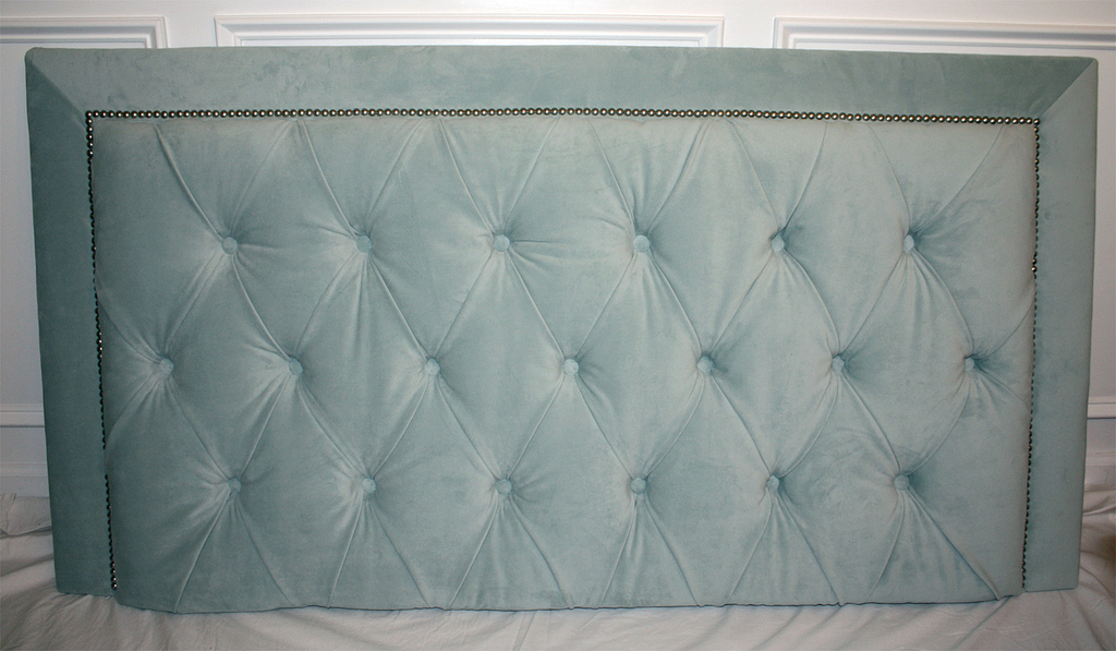 Diamond Tufted Headboard With Nailhead Trim And Matching Bed Frame