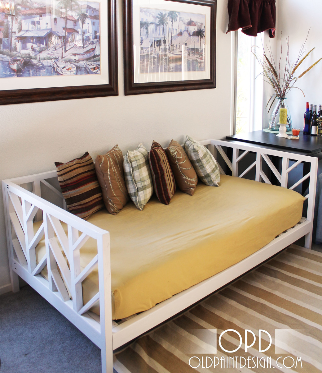 Stacy Daybed