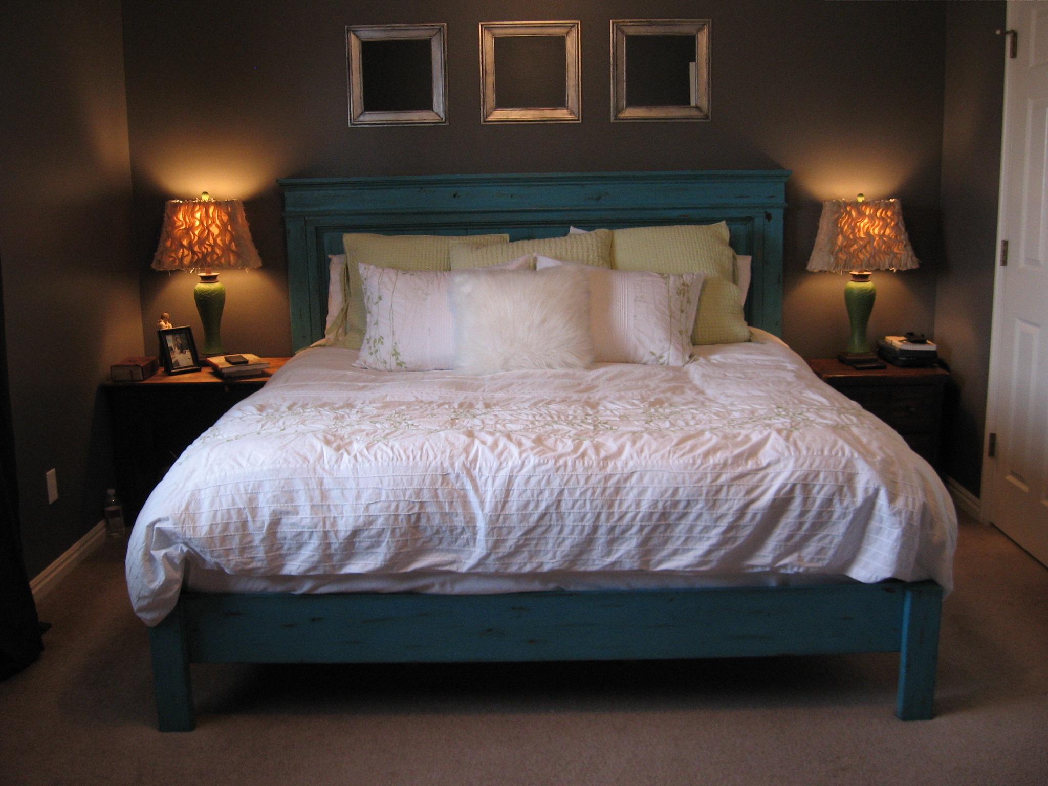King Fancy Farmhouse Bed Ana White