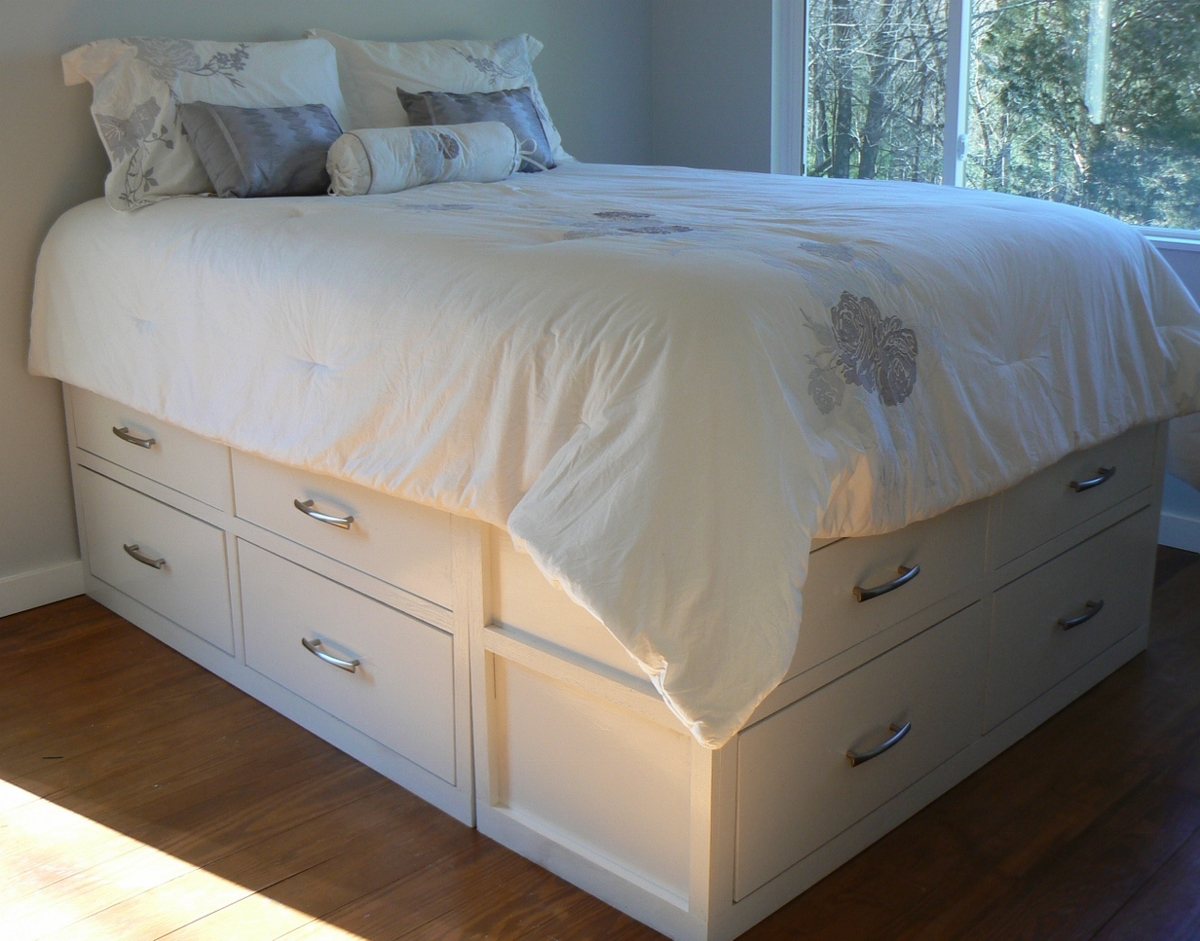 ana white modified queen stratton bed diy projects. Black Bedroom Furniture Sets. Home Design Ideas