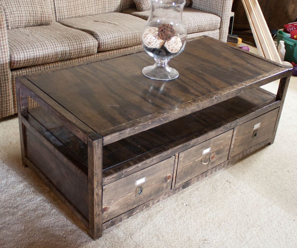 Rhyan Coffee Table - DIY Projects