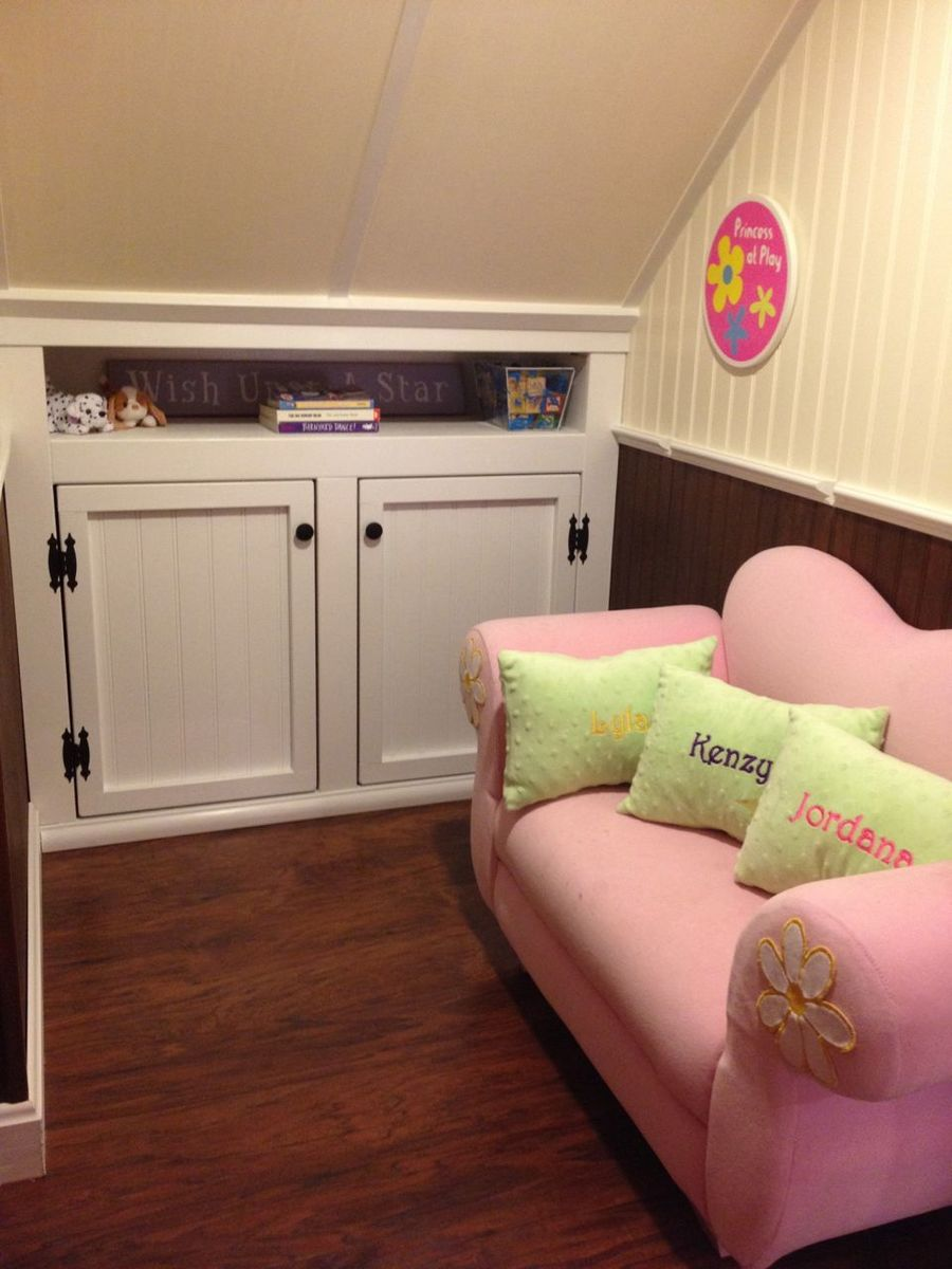 Ana White | Kids' Playhouse (under stairs) - DIY Projects