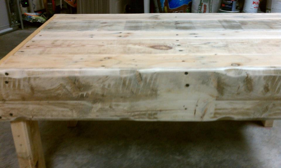 Ana White Recycled Pallet wood coffee table DIY Projects