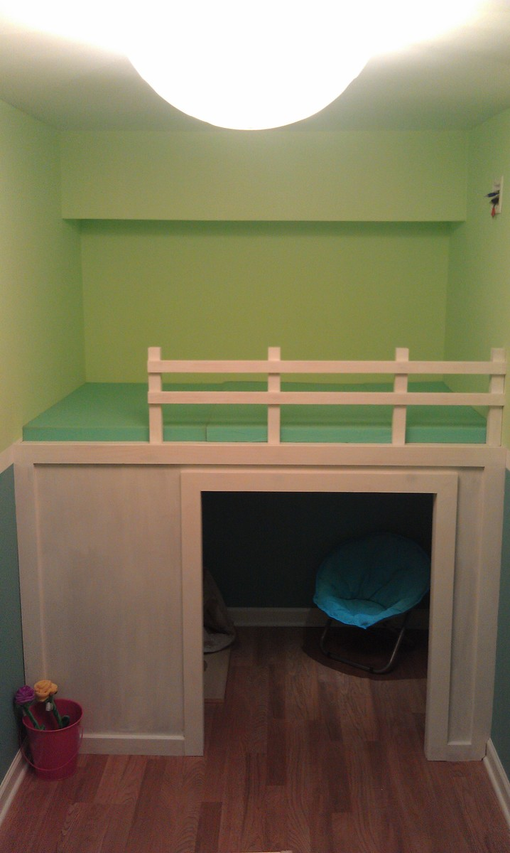 Ana White Playhouse Loft Bed In Small Playroom Diy