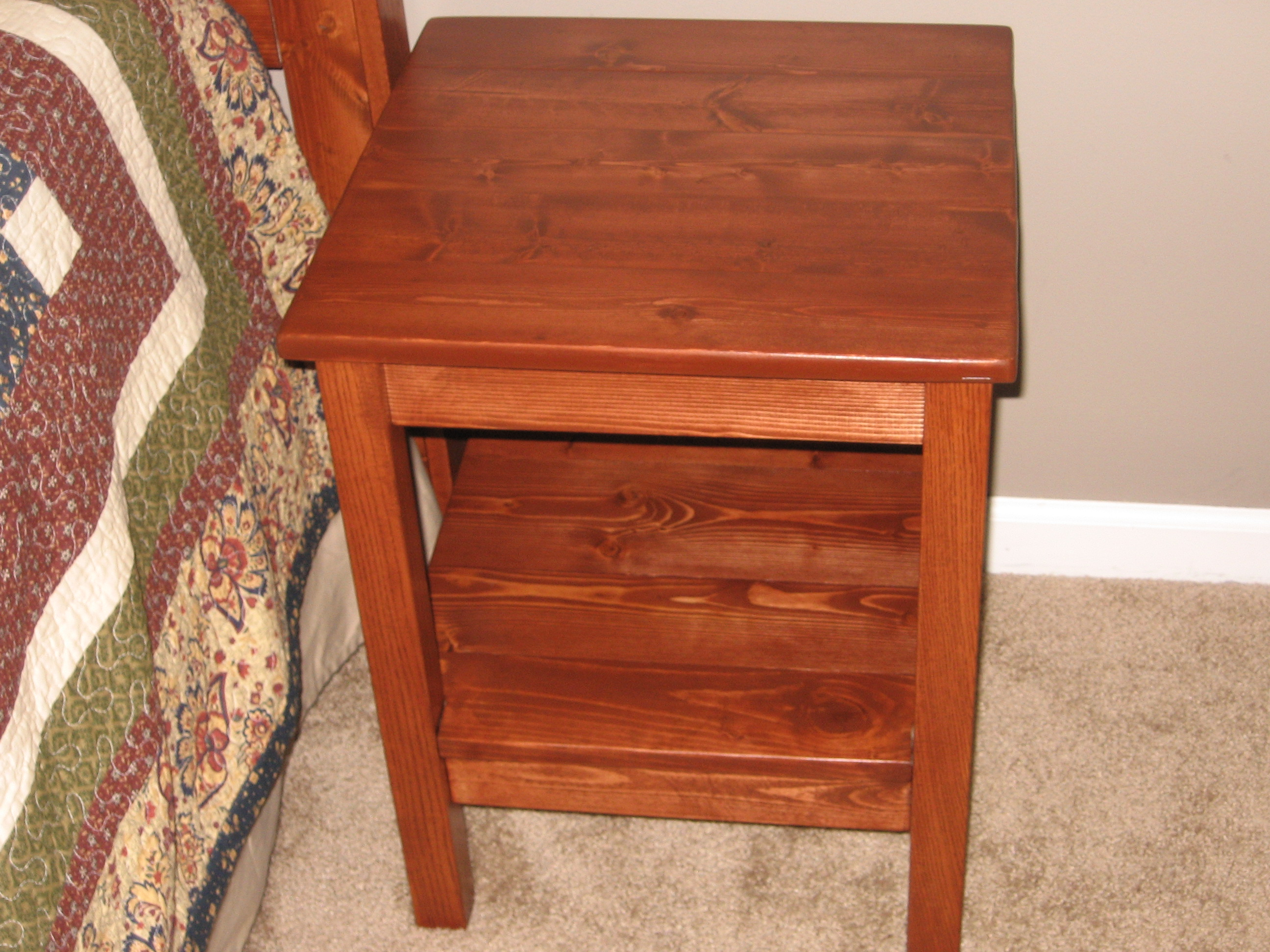 Plans to build Simple Bedside Table Plans PDF Plans