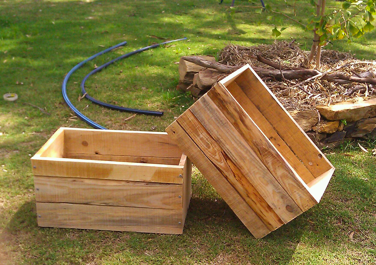 Ana White Recycled Pallet Crates Diy Projects