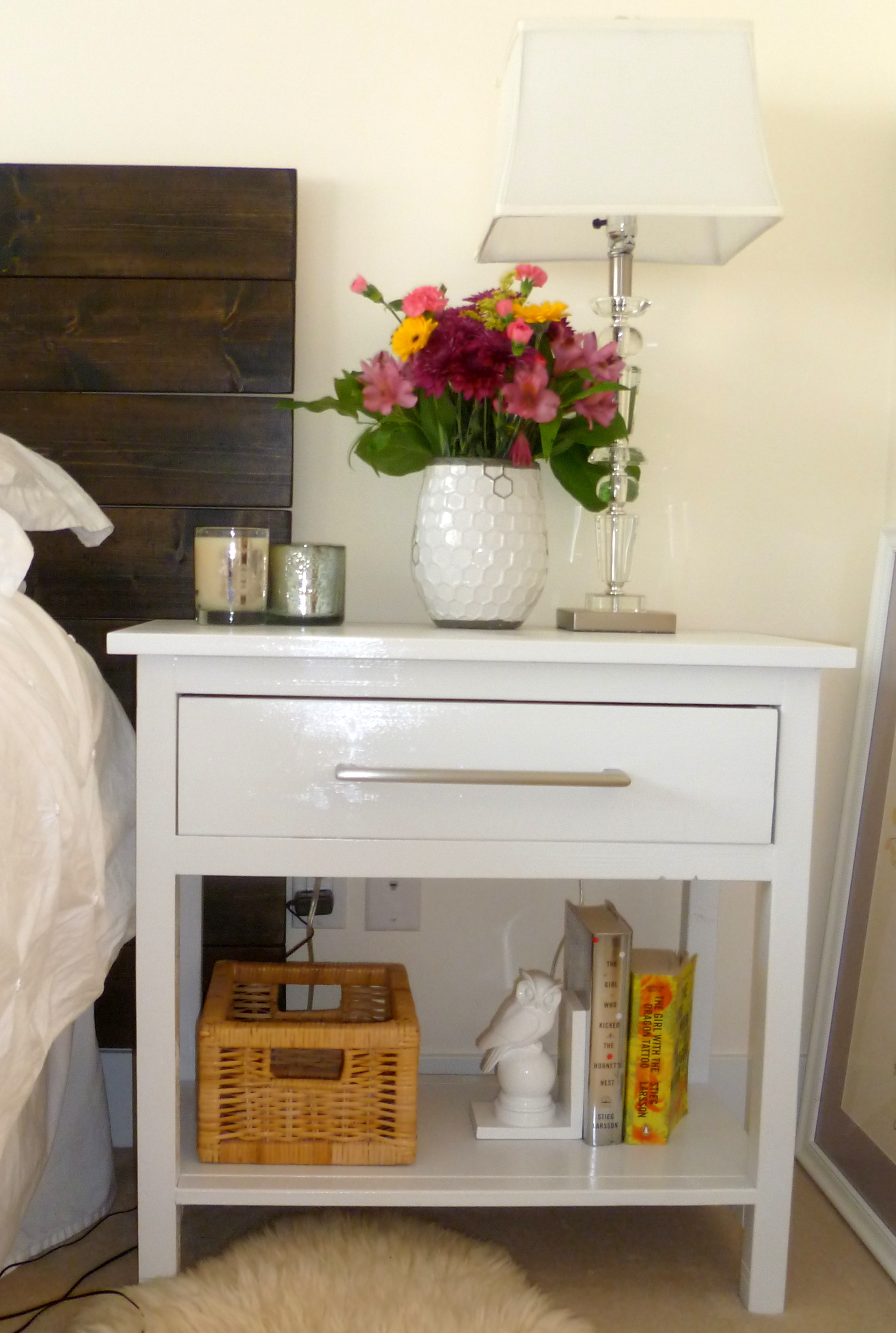 Ana White | Farmhouse Bedside Tables - DIY Projects
