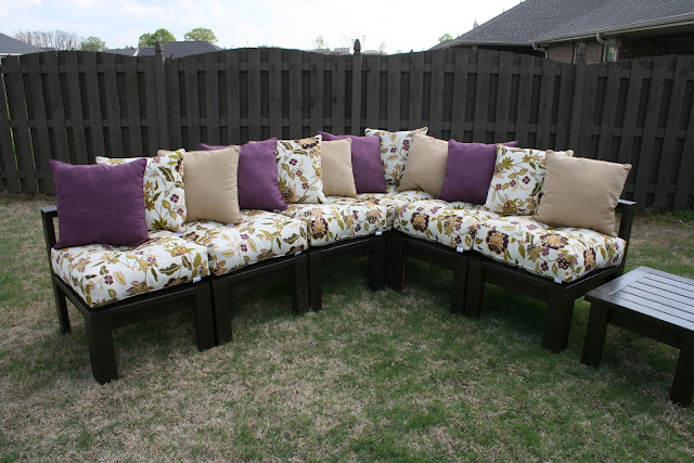 Ana white outdoor sectional using 2x4 diy projects for Homemade 2x4 furniture