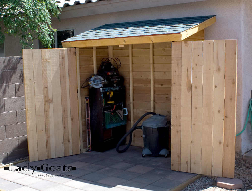 Ana White Small Cedar Fence Picket Storage Shed DIY