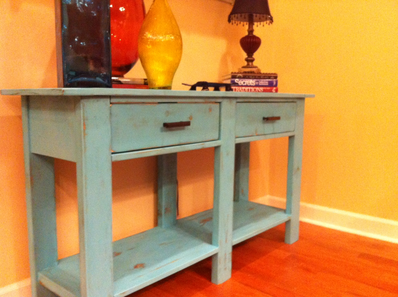How to make a sofa table from 1 x 6 lumber - Make This Console Table From Lumber Free Diy Plans