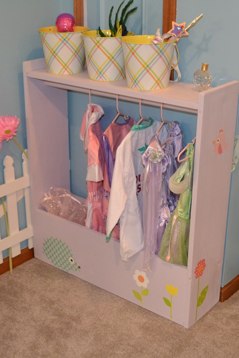 Ana white dress up storage diy projects dress up storage solutioingenieria Gallery