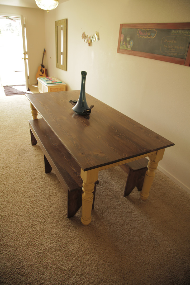 Ana white turned leg farmhouse table diy projects for Building a farmhouse
