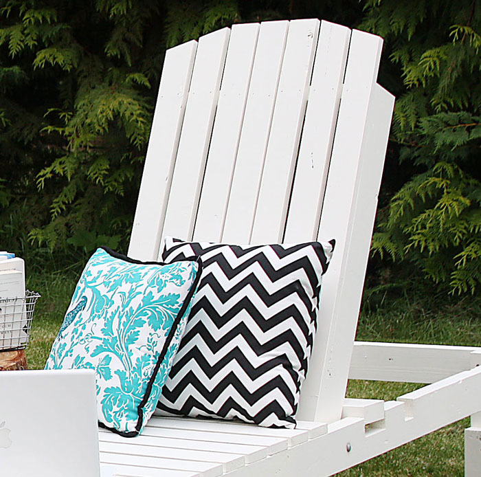 Do It Yourself Home Design: $35 Wood Chaise Lounges - DIY Projects