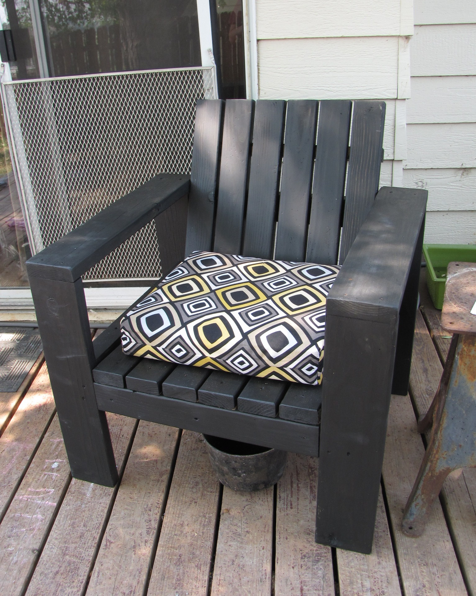 Simple Outdoor Number Activities For Kids: Simple Outdoor Lounge Chair - Beefed Up - DIY