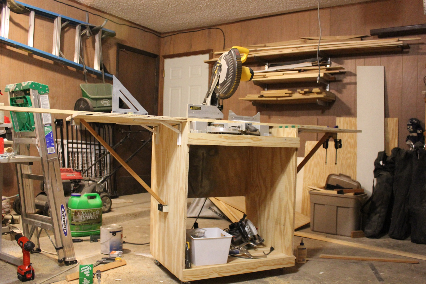 Ana white miter saw cart diy projects for Ana white router table