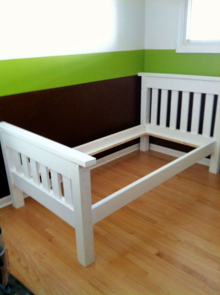 Ana white finished the simple bed twin diy projects for Simple bed diy