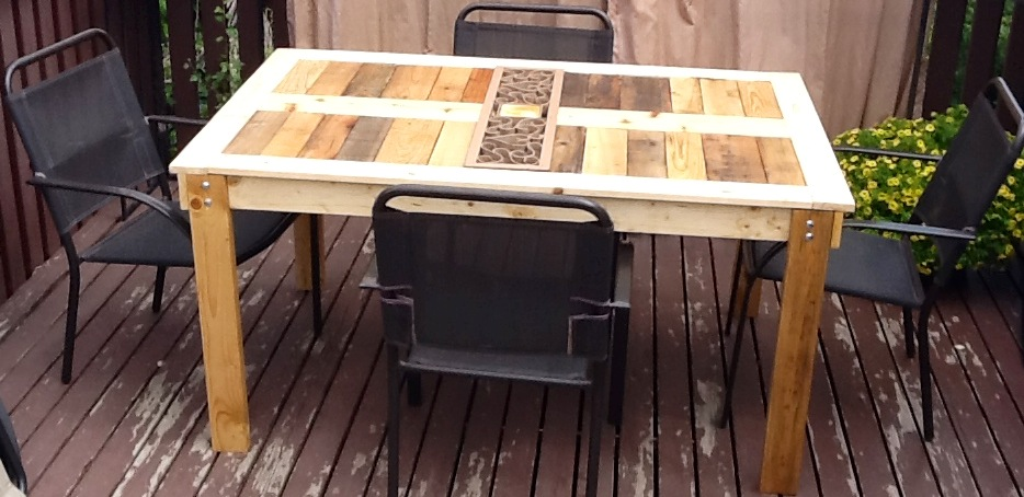 ana white modified outdoor pallet patio table diy projects