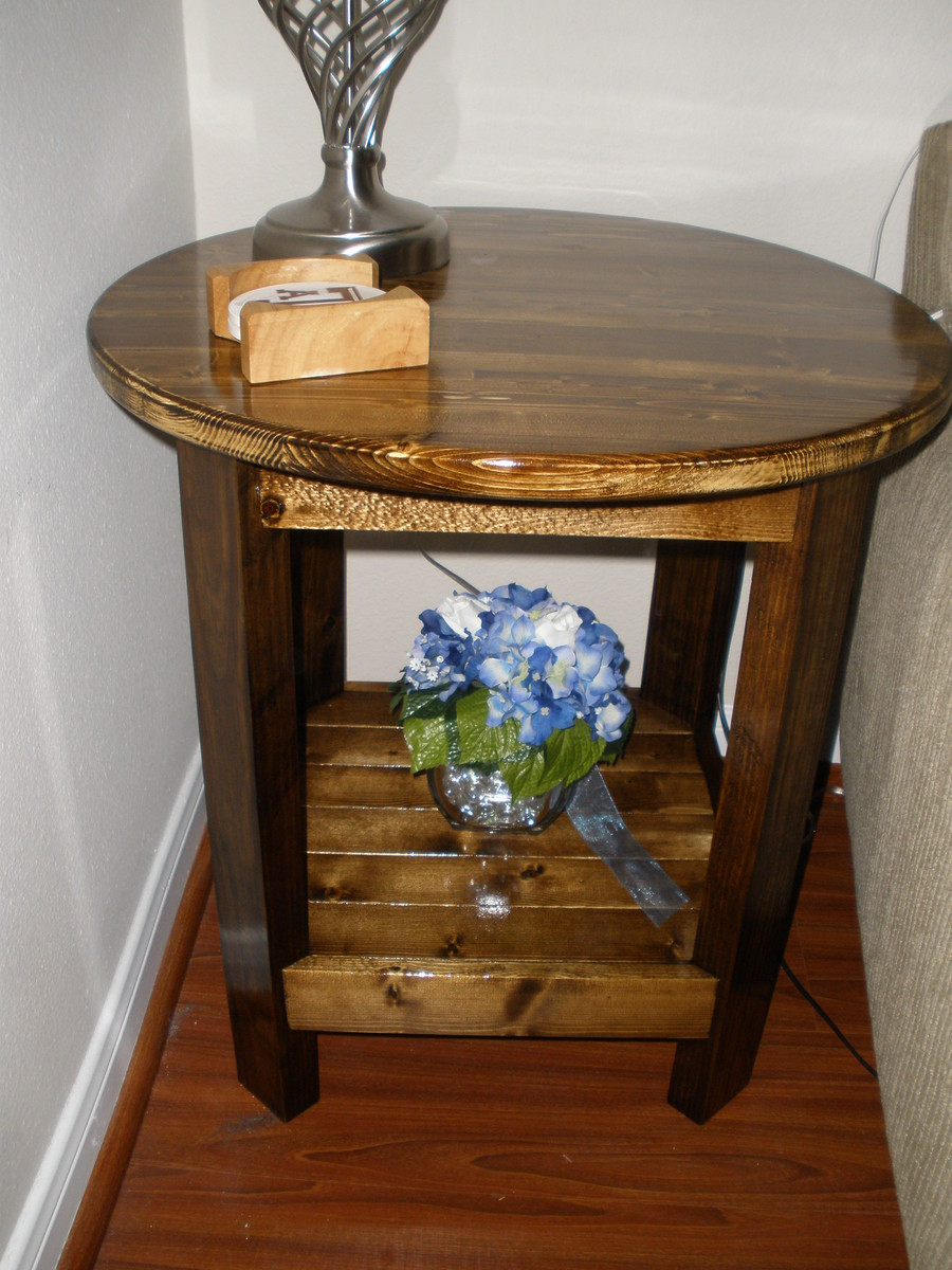 Benchright Round Side Table Ana White