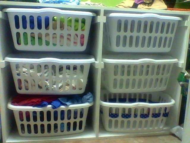 Ana white laundry sorter diy projects solutioingenieria Images