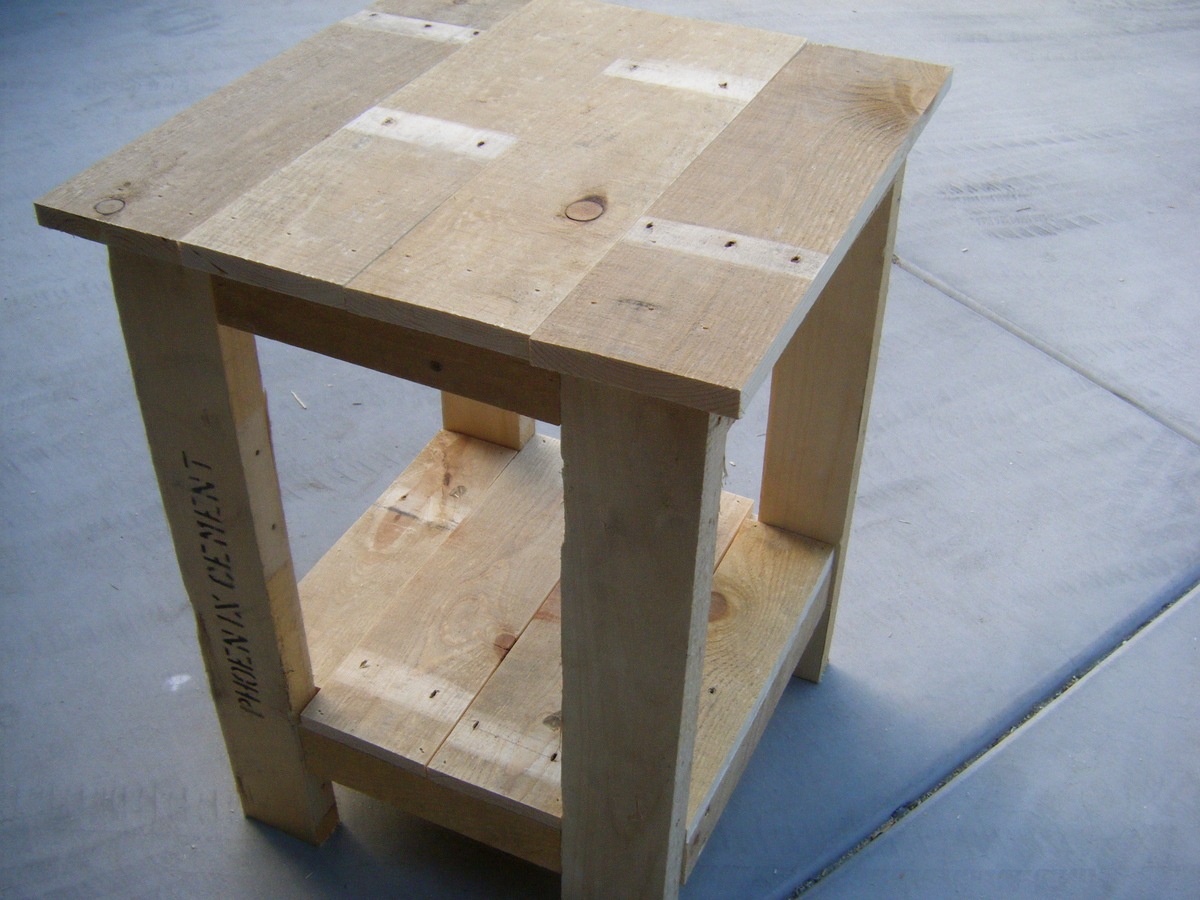 Tryed Side Table- Pallet Redux | Do It Yourself Home Projects from Ana ...