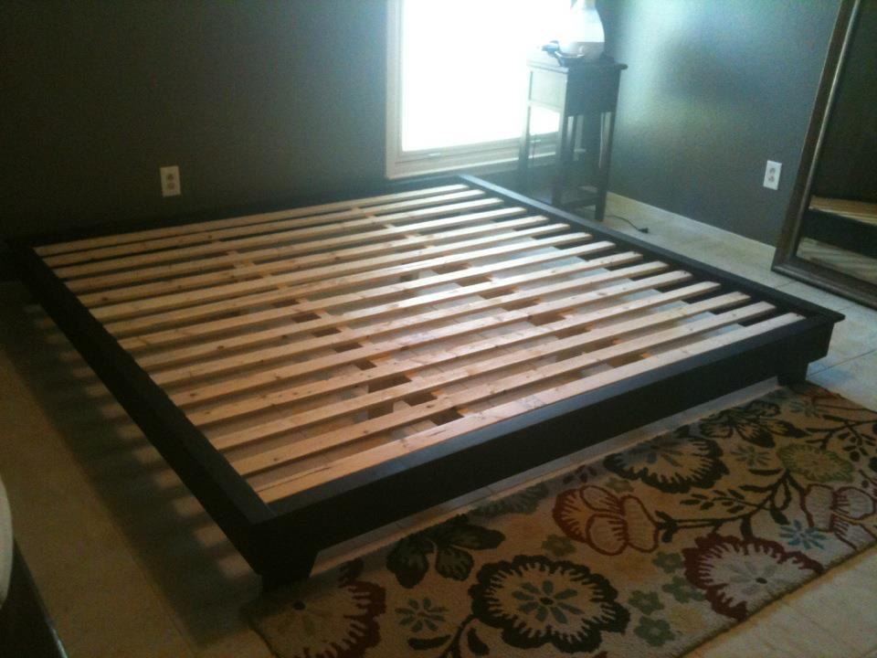 Diy queen platform bed frame plans quick woodworking for How to make your own platform bed
