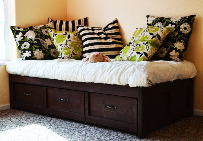 Ana White | Daybed with Storage Trundle Drawers - DIY Projects
