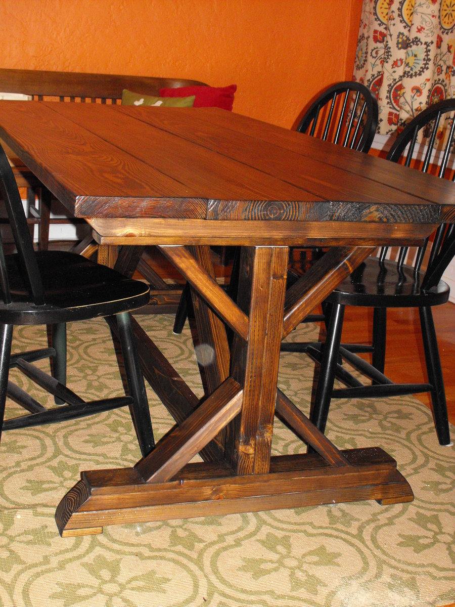 Ana White   Farmhouse table with fancy legs - DIY Projects
