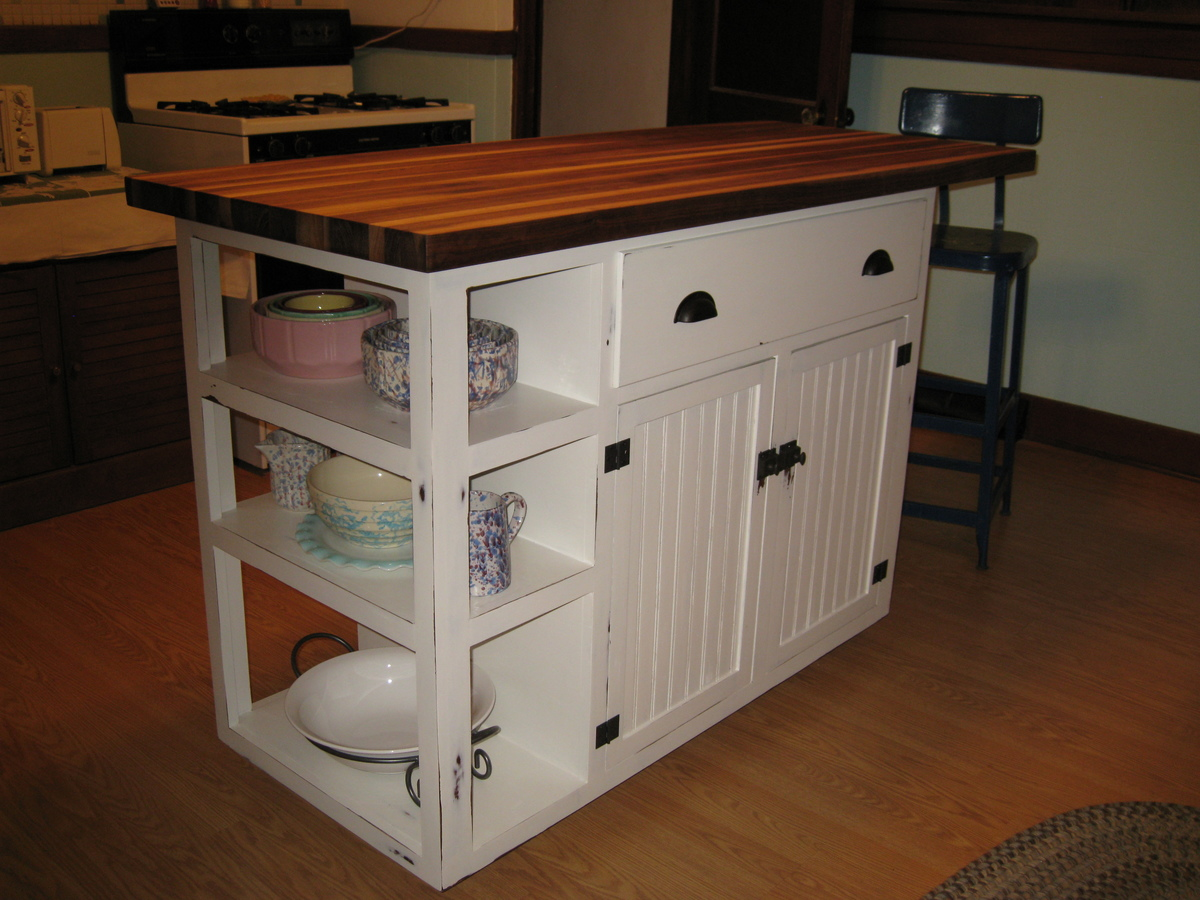 Kitchen Island Pine I Built This Island Using Ana S Base Cabinet Plans