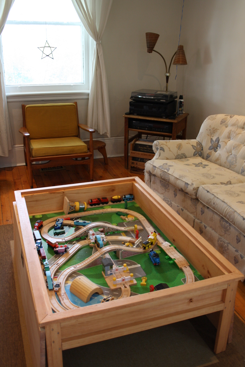 Ana White Mom S Train Table Our Version Diy Projects
