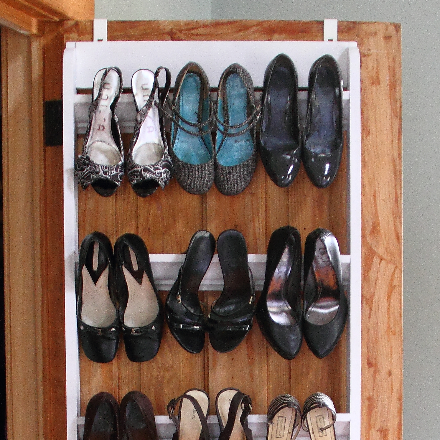 DIY Crown Molding Shoe Organizer For Heels