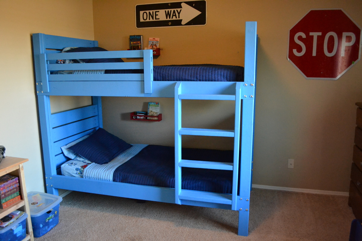 Side Street Bunk Beds With Modified Ladder