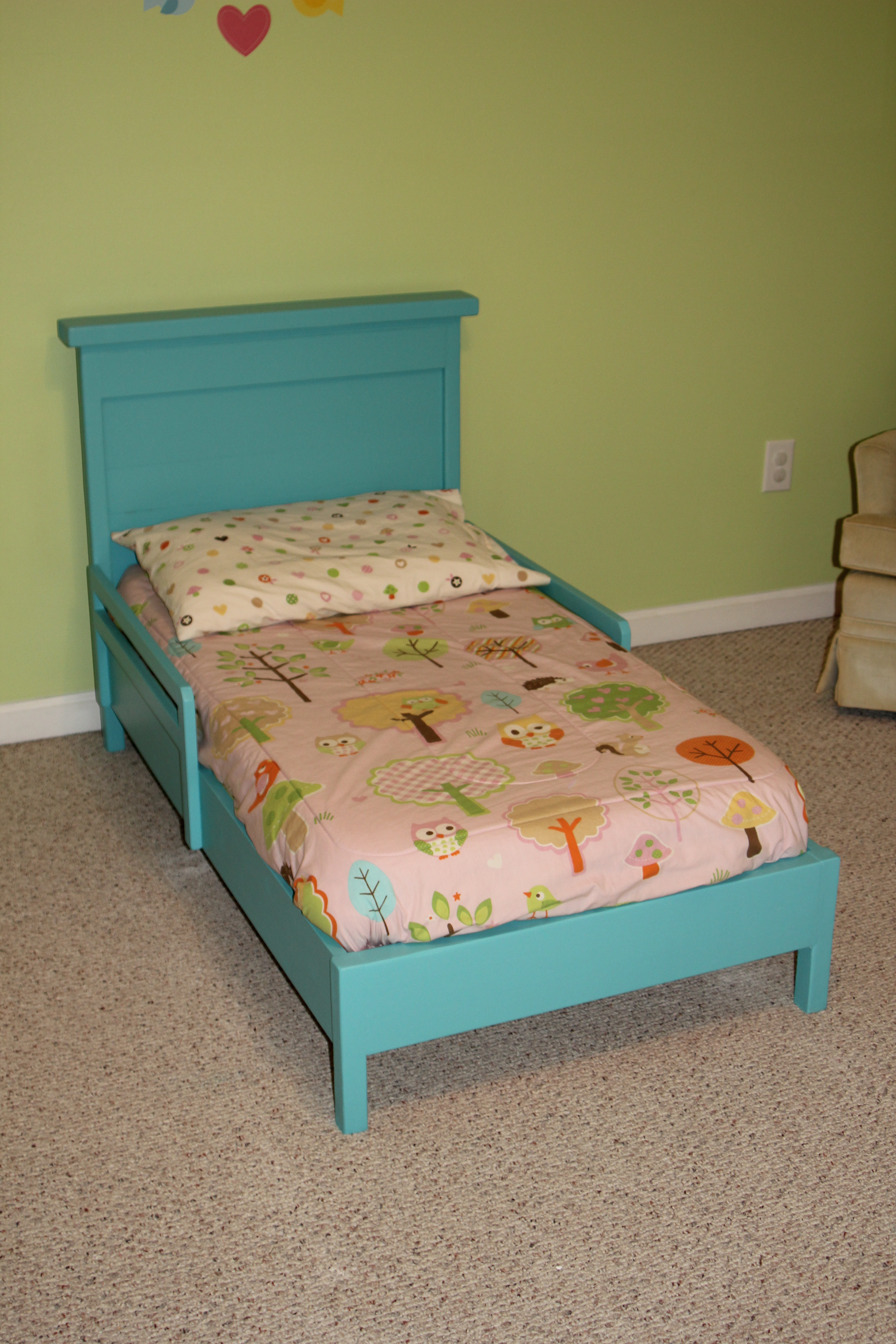 Toddler Bed With Rustic Headboard