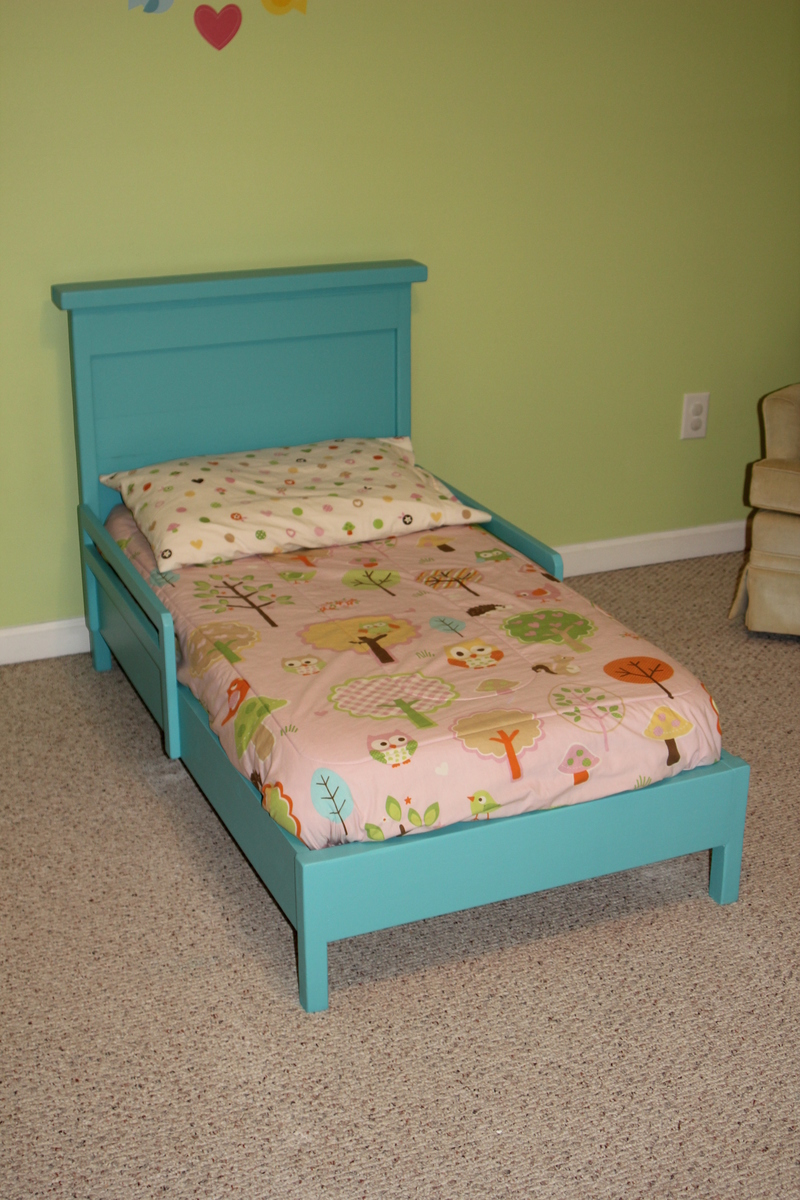 Ana White Traditional Toddler Bed With Rustic Headboard