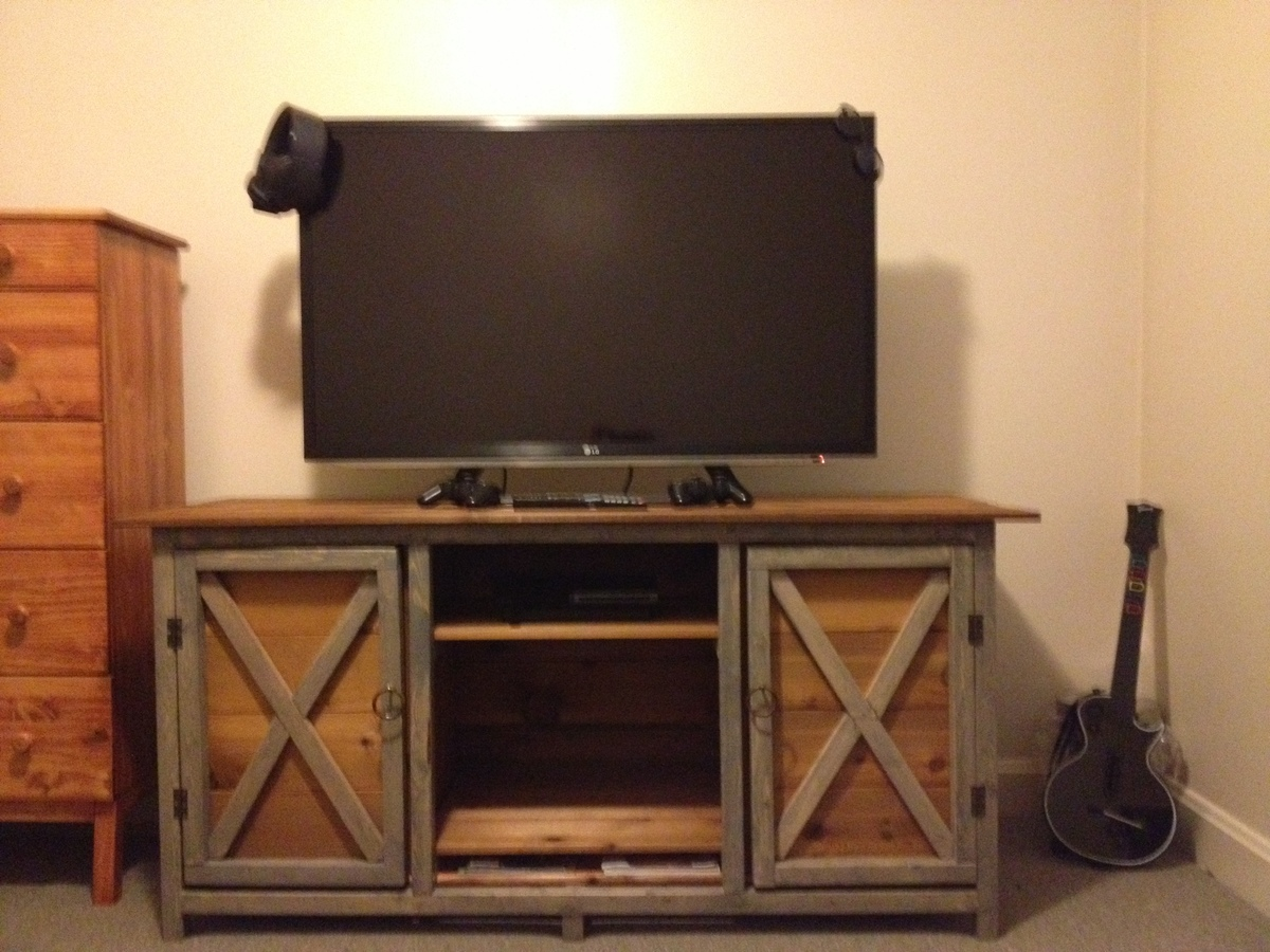 T V Stand Designs : Ana white farmhouse tv stand diy projects
