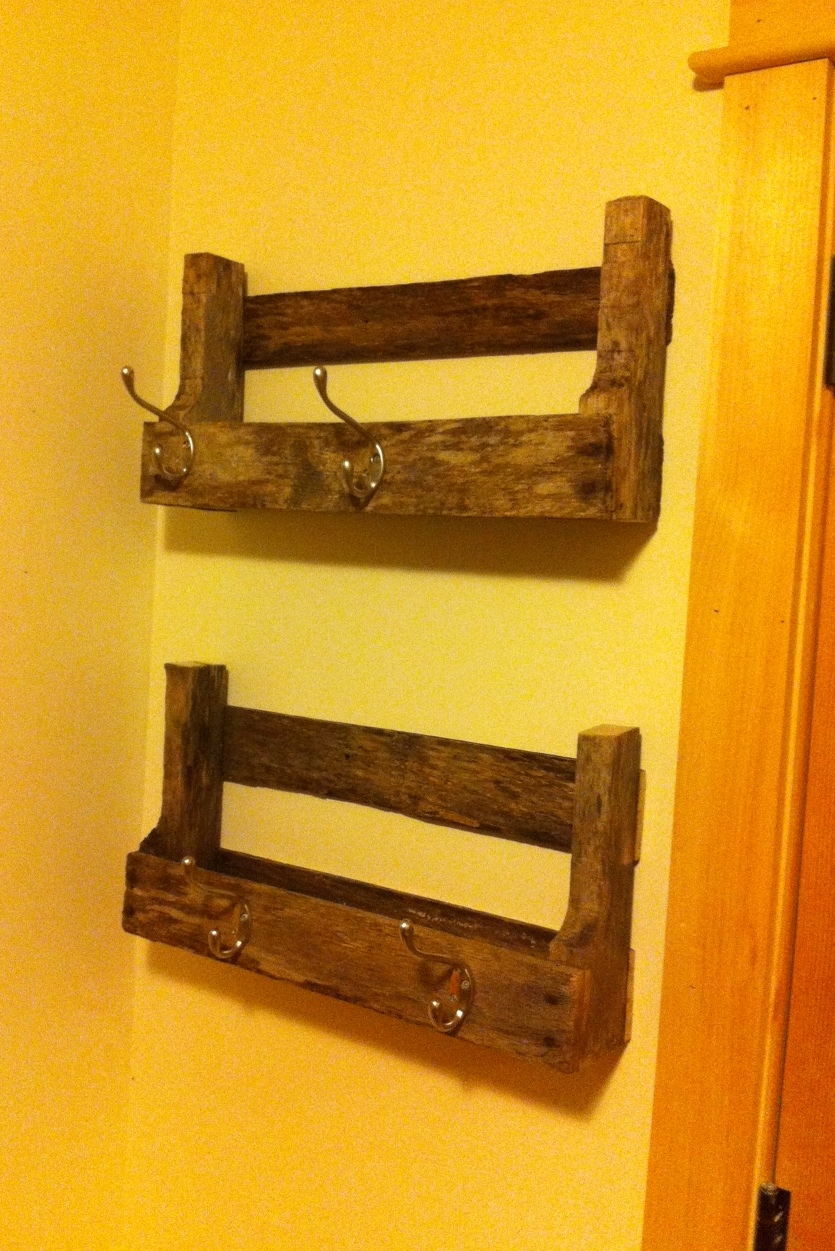 Do It Yourself Home Design: Pallet Shelves - DIY Projects